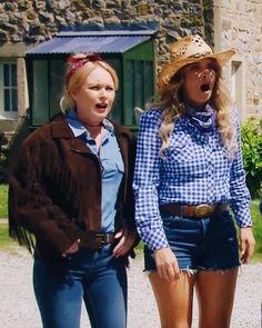 Emmerdale Spoilers, Emmerdale Actors, Michelle Hardwick, Emma Atkins, Soap Stars, Looking Stunning, Wild West, Favorite Tv Shows, All Things