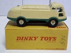 FRENCH DINKY TOYS NO.596 ARROSEUSE BALAYEUSE L.M.V. - STREET SWEEPER