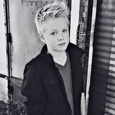 """12 mil curtidas, 322 comentários - Carson Lueders (@carsonlueders) no Instagram: """"Go check out my new cover of """"Holy Grail"""" by Jay Z ft Justin Timberlake on Youtube!!!!!…"""""""