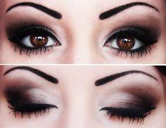 beautiful smokey eye with cat eyeliner