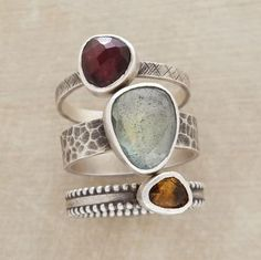 I am working on a ring like the center setting.