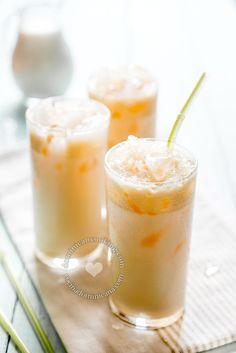 """Morir soñando (Milk and orange juice) means """"to die dreaming"""" in Spanish. This is what beautiful dreams taste like."""