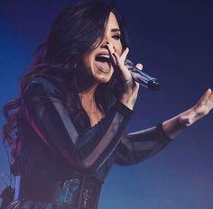 Demi Lovato. Stunning as always❤❤❤