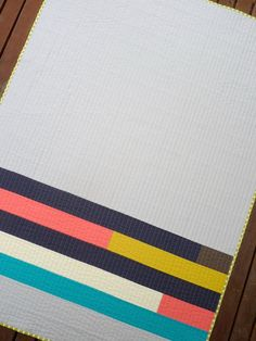 Minimal stripesmodern quilt back -- Great & simple quilting idea, too!