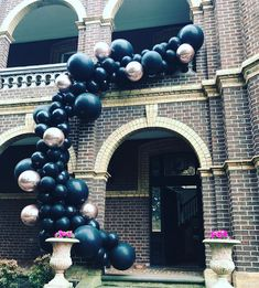 Now this is an entrance! A grand balloon installation for a grand house! #ballooninstallation #birthdayideas #melbourneevents