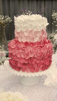 Petals cake, by Sweet Bloom Cakes