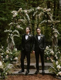 The Family-Style Dinner Table in the Woods.That You Have to See to Believe! Same Sex Gay Wedding in the Woods. Tux for the Grooms. Wedding Ceremony Ideas, Long Wedding Reception Tables, Wedding Table, Wedding Themes, Wedding Venues, Lesbian Wedding, Wedding Men, Dream Wedding, Wedding Signs