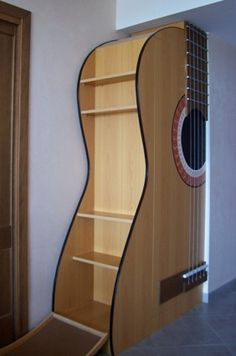 Home Music Rooms, Music Bedroom, Music Studio Room, Music Furniture, Unique Furniture, Furniture Decor, Guitar Shelf, Guitar Room, Creation Deco