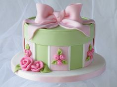 Hat Box Cake - by CakeHeaven @ CakesDecor.com - cake decorating website
