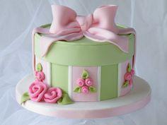 Hat Box Cake - by CakeHeaven @ CakesDecor.com - cake decorating website