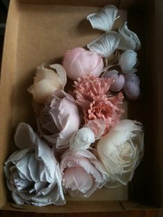 fabric flowers for @Amber MacIntosh to make for me :)