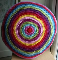 Finally Finished – Lovely Round Cushion « Little Tin Bird