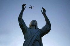 33-statue-juggling-plane-pe