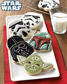 Star Wars Heroes & Villains Cookie Cutters Cookie Cutter Set, Cookie Dough, Star Wars Cookie Cutters, Cookie Icing, Sugar Cookies, Cookies Et Biscuits, Iced Cookies, Holiday Cookies, Star Wars Cookies