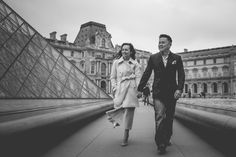 Discovering the Louvre Museum with Alex & Tu - WESHOOT Paris Photo Session
