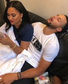 Couple goals Steph and Ayesha Curry Stephen Curry Family, The Curry Family, Black Love Couples, Cute Couples, Family Goals, Couple Goals, Stephen Curry Ayesha Curry, Stephen Curry Basketball, Wardell Stephen Curry