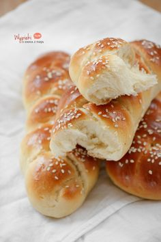 najlepsza chałka Polish Recipes, My Recipes, Bread And Pastries, Challah, Sweet Desserts, Sweet Treats, Food And Drink, Sweets, Dishes