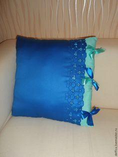 Купить Подушка с вышивкой и атласными бантами - синий, мятно-синий, бирюзово-синий, васильковый