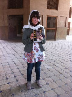 Italian tourist at Hasht Behesht Palace (kakh 'eh Hasht Behesht) in Esfahan Iran, as snapped by yours truly. Pix & stories from a memorable trip to Iran. #Isfahan