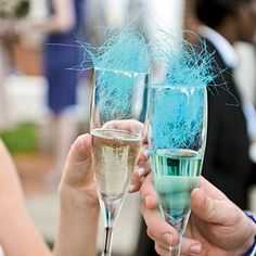 Cotton Candy Cocktail  Top champagne with cotton candy for a fun and colorful beverage Cocktail Wedding Reception, Wedding Signature Drinks, Signature Cocktail, Champagne Cocktail, Champagne Toast, Cocktail Drinks, Champagne Glasses, Champagne Breakfast, Summer Wedding