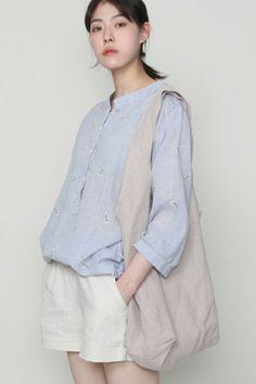Comfy Dresses, Simple Dresses, Japanese Fashion, Asian Fashion, Korean Blouse, Blouse Models, Asian Style, Fashion Outfits, Womens Fashion