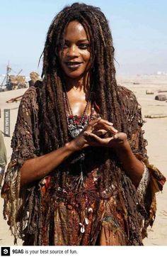 Naomie Harris as Tia Dalma/ Calypso- Pirates of the Caribbean Johnny Depp, Calypso Pirates, Tia Dalma, Voodoo Costume, Voodoo Halloween, Halloween Inspo, Estilo Tribal, Film Serie, Pirates Of The Caribbean