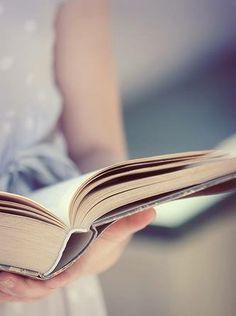 Lire, c'est aller à la rencontre d'une chose qui va exister mais dont personne ne sait encore ce qu'elle sera... [Italo Calvino] Si par une nuit d'hiver un voyageur, chapitre IV