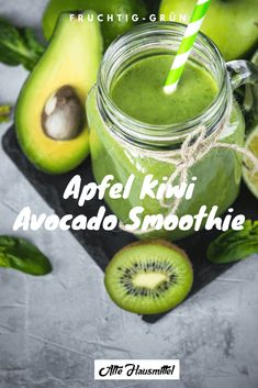 Smoothie mit Avocado ᐅ Leckere Smoothies mit Avocado ✓ 5 tolle Rezepte einfach nachmachen! Avocado Smoothie, Fruit Smoothies, Smoothie Bol, Avocado Dessert, Smoothie Detox, Healthy Green Smoothies, Green Smoothie Recipes, Strawberry Smoothie, Avocado Food