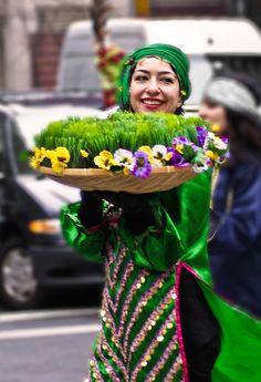 جشن ايرانيان در بيرون از آبادى ها و در كنار روستنى ها و زيبايى هاى دشت و بيابان: سيزده بدر