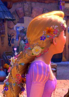 Rapunzel's braid look Rapunzel Braid, Rapunzel Cosplay, Braided Hairstyles, Cool Hairstyles, Hair Movie, Disney Races, Disney Tangled, Girly Things, Girly Stuff