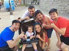 Une famille bien heureuse d'avoir remporté 2 bracelets VIP exclusifs pour assister le soir même ou le lendemain à l'un des spectacles du Festival d'été de Québec!