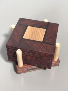 Diy Wooden Projects, Small Woodworking Projects, Woodworking Crafts, Fun Projects, Wood Crafts, Diy Wood Box, Wooden Diy, Wooden Coasters Diy, Wood Mosaic