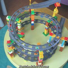 Lego-Duplo-Zug - Baby Spielzeug , લેગો-ડબલ-ઝગ # ડબલ, Source by annekathrindung. Lego Minecraft, Minecraft Pattern, Hama Beads Minecraft, Perler Beads, Train Lego Duplo, Lego Trains, Lego For Kids, Diy For Kids, Crafts For Kids
