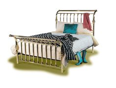 Terry Parker's Heirloom Iron Bed carries the highest quailty Iron beds and Brass beds from Brass Beds of Virginia. All the Iron beds and Brass beds are Made in the USA, using the highest quaility materials avilable.