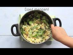 Koude pastasalade met pesto, komkommer, rucola en gerookte kip - Lekker en Simpel