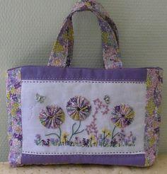 http://www.leschroniquesdefrimousse.com/article-un-petit-sac-pour-sandra-109214737.html