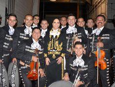 Arranca Mes de la Herencia Hispana con premios en el Kennedy Center e invitada especial Lucero: http://washingtonhispanic.com/nota16044.html