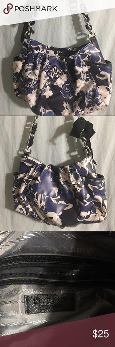 ✨Simply Vera purse✨ Absolutely beautiful Simply Vera bag in Vguc. Simply Vera Vera Wang Bags Shoulder Bags