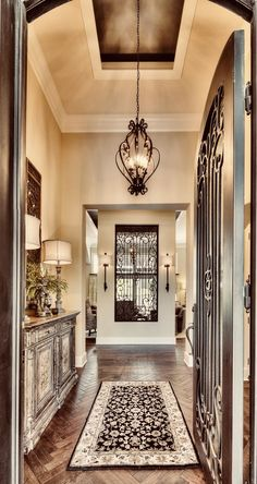 If you are having difficulty making a decision about a home decorating theme, tuscan style is a great home decorating idea. Many homeowners are attracted to the tuscan style because it combines sub… Tuscan Design, Tuscan Style, Tuscan Decorating, Interior Decorating, Mediterranean Home Decor, Mediterranean Architecture, Spanish Style Homes, Tuscan House, Home Fashion