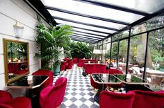 """Whether for a drink, for a dinner or for a night, the Hôtel Particulier awaits you in Montmartre in what many people rightly call """"a countryside in the heart of Paris"""" Lounge Design, Bar Lounge, Cafe Design, Design Bar Restaurant, Deco Restaurant, Hotel Particulier Montmartre, Paris Restaurants, Nyc Hotels, Hilton Hotels"""