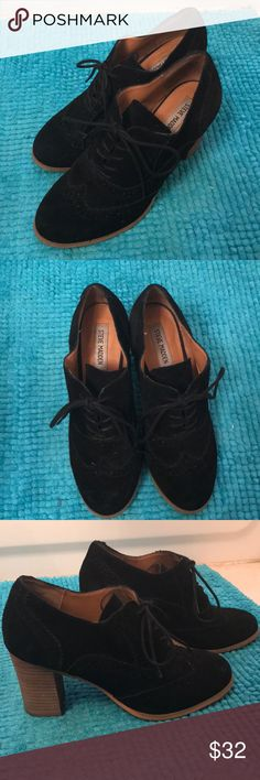 Steve Madden Black 'Omyra' Oxfords Lightly Worn No noticeable damage or scuffs Very comfortable and great quality  Love the shoes but I never wore them enough  So I decided to part with them! Steve Madden Shoes Heels