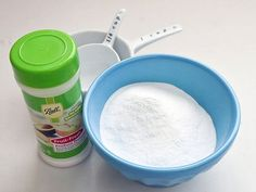 DIY toilet bowl cleaner, with only 5 ingredients must use,) that you probably have laying around the house :) Homemade Toilet Cleaner, Cleaners Homemade, Diy Cleaners, Toilet Cleaning, Bathroom Cleaning, Cleaning Recipes, Cleaning Hacks, Tablet Recipe, Limpieza Natural