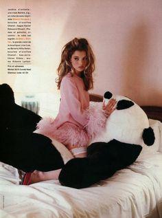 Изображение со страницы http://2.bp.blogspot.com/-SDX2TJGJKD8/T2DdJrv3j3I/AAAAAAAAD4k/m88UPpfIR9A/s1600/kate_moss_glamour_france_1992_07.jpg.