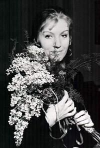 Anna with flowers