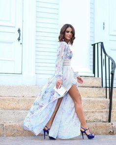 Camila coelho  Romantic vibes! From yesterday , wearing @patriciabonaldi  #partydress ------- Ainda sobre ontem! Usando vestido deuso de @patriciabonaldi | Sandália @ysl