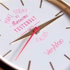 Grand soleil, ciel bleu et ce soir Weekend ! Une belle journée s'annonce 💕 #VeryMojo #watches #montre #mantra #quote #quoteoftheday #positivevibes #goodmood #goodmorning #maketodaysoawesomeyesterdaygetsjealous #feelgood #friday #vendredi #tgif #summer ► www.verymojo.com ◄