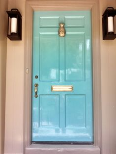 Green Front Doors, Painted Front Doors, Front Door Colors, Blue Doors, Teal Door, Turquoise Door, Exterior Doors, Exterior Paint, Exterior Trim