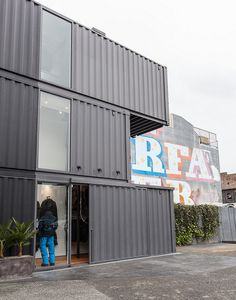 The hottest spot last weekend in the white hot SF neighborhood of Hayes Valley? The just-opened outpost of LA tech-focused clothing line Aether, designed b