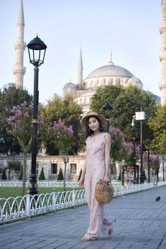 10 Most Instagrammable Spots in Istanbul, Turkey | Of Leather and Lace - Fashion & Travel Blog by Tina Lee | Istanbul travel beautiful places, istanbul photography, istanbul travel tips, istanbul instagram, istanbul travel outfits