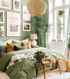 Sage Green Bedroom, Green Rooms, Green Bedroom Walls, Green Bedroom Decor, Green Home Decor, Green Bedding, Green Master Bedroom, Green Room Decorations, Green Bedroom Colors